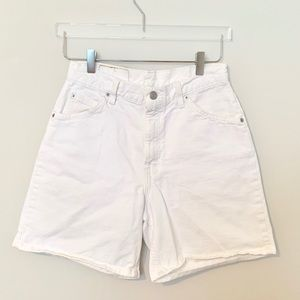Levi's | 951 Super High Rise White Shorts